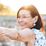 Femme âgée heureuse et en bonne santé