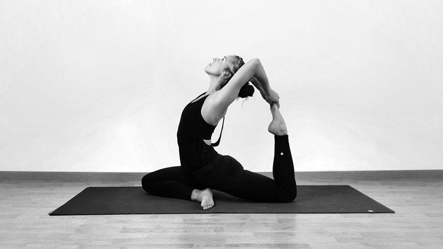 Position de Yoga, cours de Yoga à Lyon