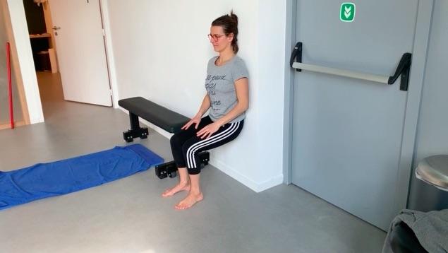 position de la chaise, appui contre un mur