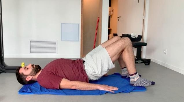Renforcement du dos mouvement de descente lent