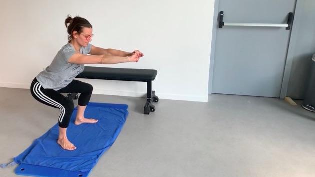 Squat : position genoux fléchis ou pliés