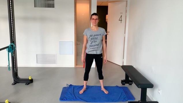 POisiotn de départ de l'exercice de renforcement squat