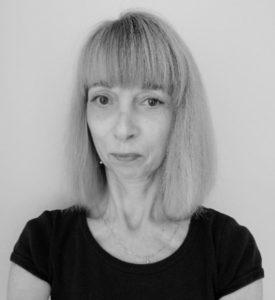 Portrait de Marie-Christine Monnet cours de barre au sol et danse classique